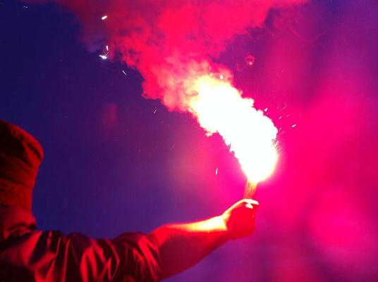 Flare Smoke Bomb Fans See Red Over Smoke Bombs