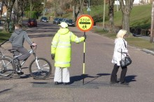 Parents in Knowsley are fighting to save their lollipop men and ladies as six school crossing patrols could be axed.