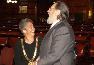Lord Mayor of Liverpool Erica Kemp with Ricky Tomlinson. Pic by Katie Dodson © JMU Journalism
