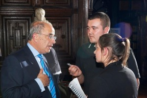 JMU Journalism students talk with Chancellor Sir Brian Leveson about the future of LJMU. Pic © LJMU