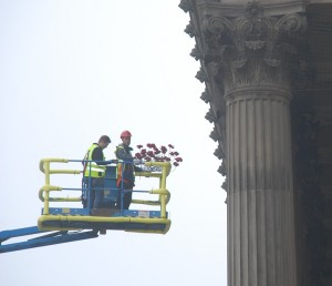 The poppies being prepared at Liverpool's St George's Hall. Pic by Amber Pritchard © JMU Journalism