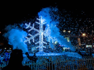UK's biggest Snowflake in Williamson Square last year, Pic © Lisa Bower