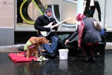 A blind busker who had his equipment stolen has thanked the public for their generosity.