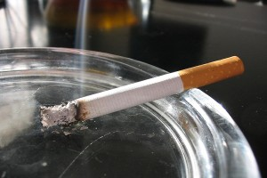 Decrease in teenage girl smokers. Pic © Wikimedia