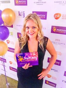 Hayley Smallman with her Wellchild Award ©Hayley Smallman