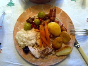 Christmas lunch. Pic © Rich Summers via Wikimedia Commons